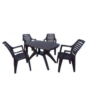 Melody table with Orlando chairs. Black colored with horizontal lines in the back of the chair