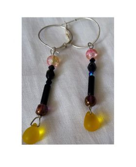 Lilibit Creation Earrings – Long Drop Earrings in Black and Yellow Glass