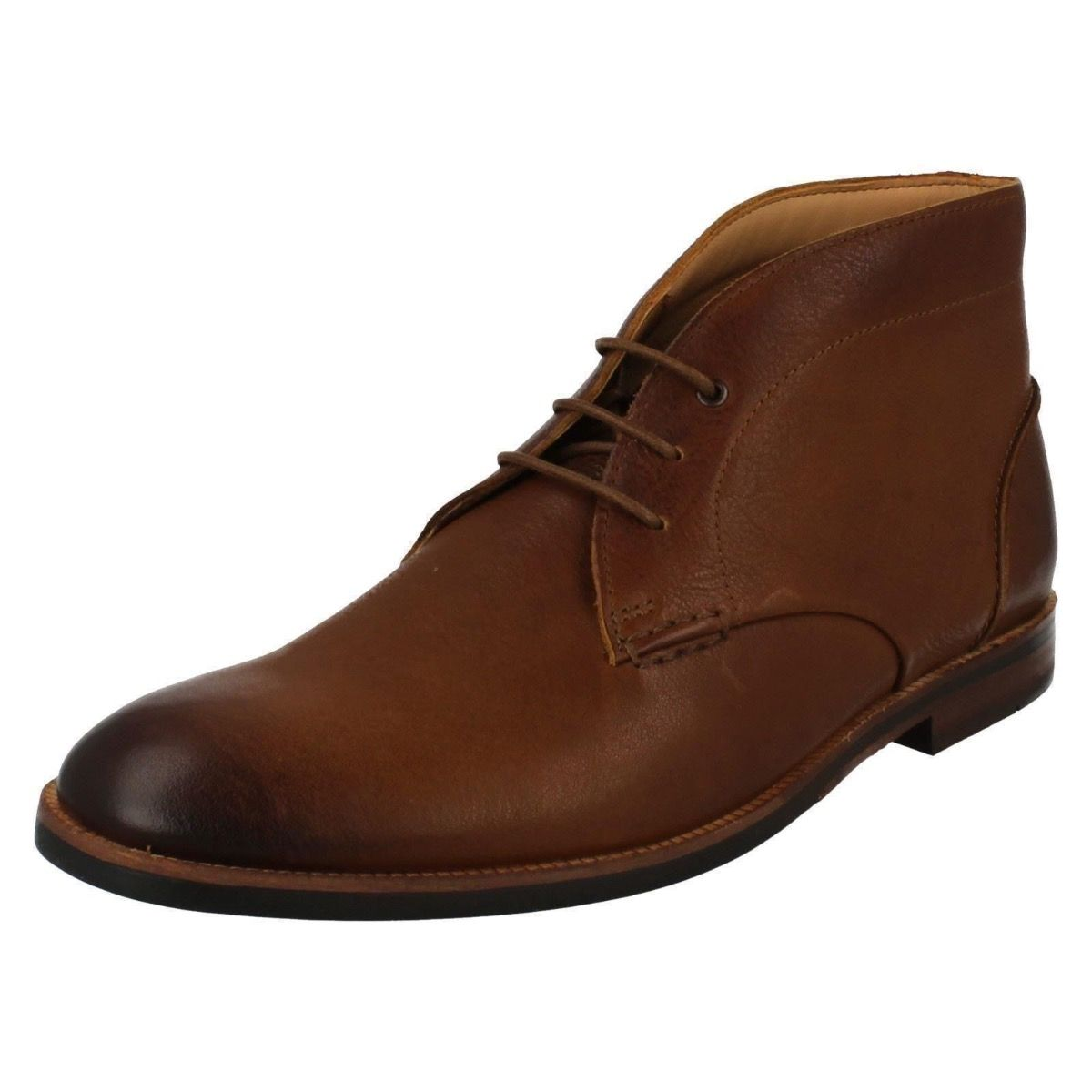 Clarks Boyd Mid Boot in Tan for Men-10