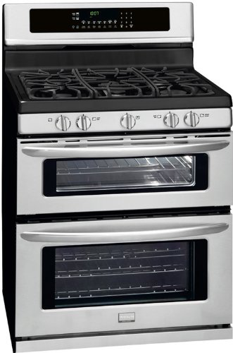 Frigidaire 30 Inch Gas Stove FGGF304DLF angled view
