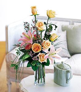Rose and Lily Bouquet Floral Arrangement