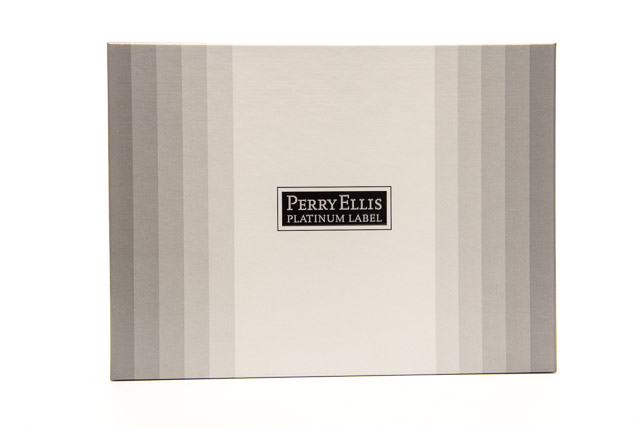 Perry Ellis Platinum Label Perfume Set has a blend of bamboo, mandarin, rosemary, violet leaf, lavender, fir balsam, cedar, patchouli, musk and sea moss